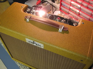 Fender Style Lacquered Tweed