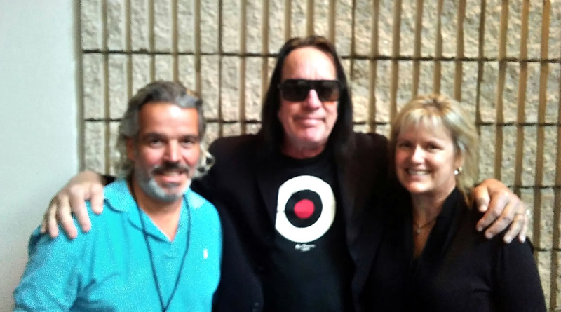 Todd Rundgren with Rondo and Diane, Ft Myers, FL - 3-25-17 - White Knight ChivalRock Tour
